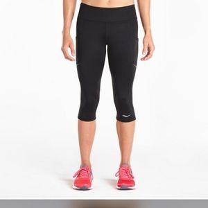 Saucony Women's Black Athletic Workout Capris